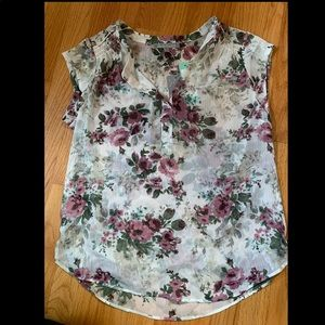 Light Weight Floral Top